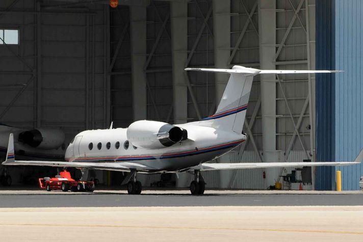 AeroBT-aircraft_headed_into_hangar_2880x1440.jpg