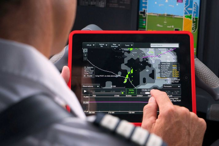 Connected Aircraft Flight Services