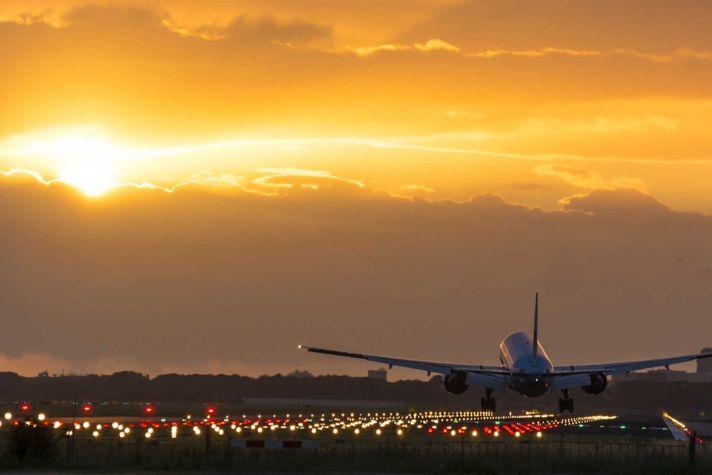 AeroBT-plane_landings_294831155_2880x1440.jpg