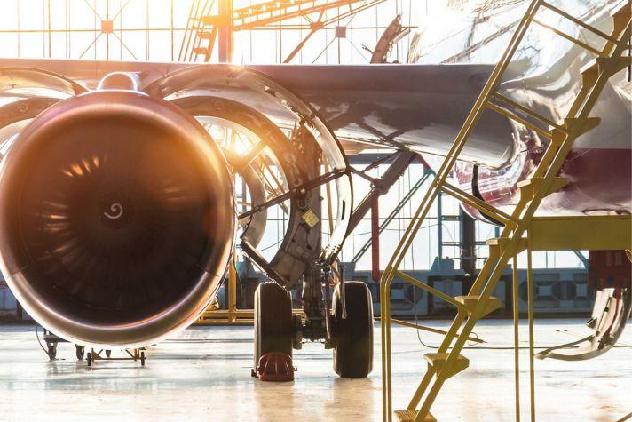 Aircraft engine hangar