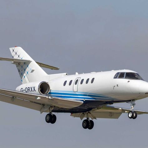 Hawker 900
