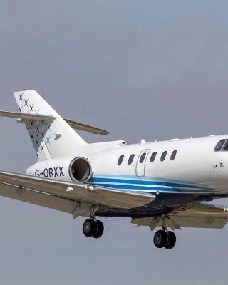 Hawker-900