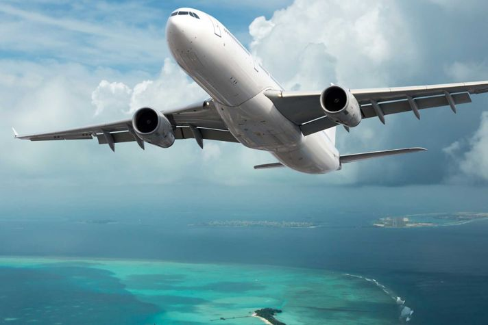 Airliner in air