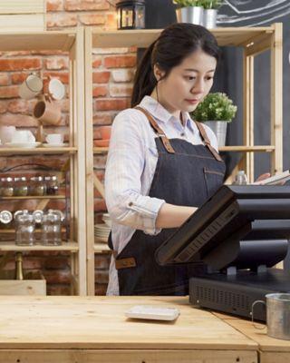store-employee-2880x1440.jpg